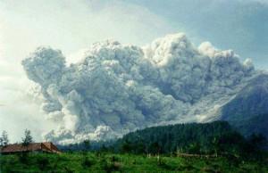 volcano-surge-cloud